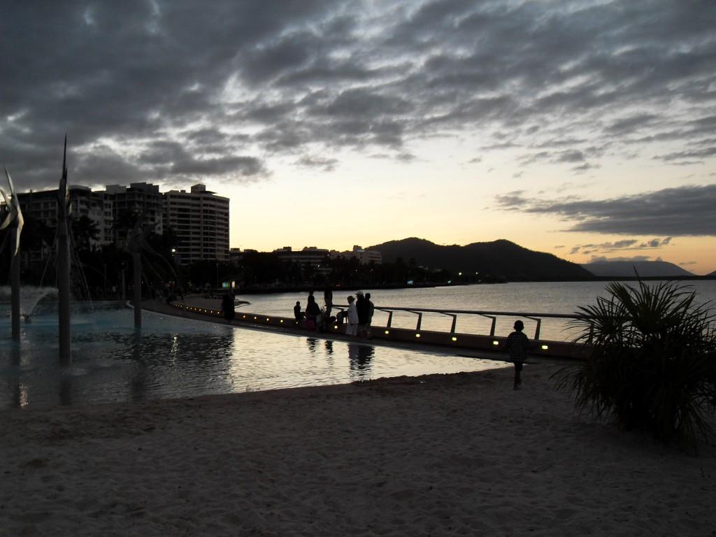 Cairns Promenade und Badebecken