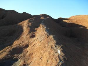 Gestrichelte Linie Ayers Rock Uluru Australien (Reisetagebuch Australien: Auf dem Ayers Rock)
