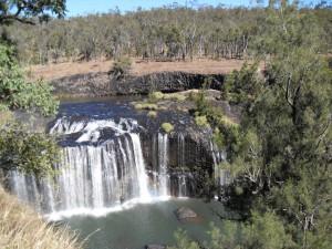 Wasserfall Millstream Falls in Australien (Reisetagebuch Australien: Weiter nach Cairns und die Millstream Falls)