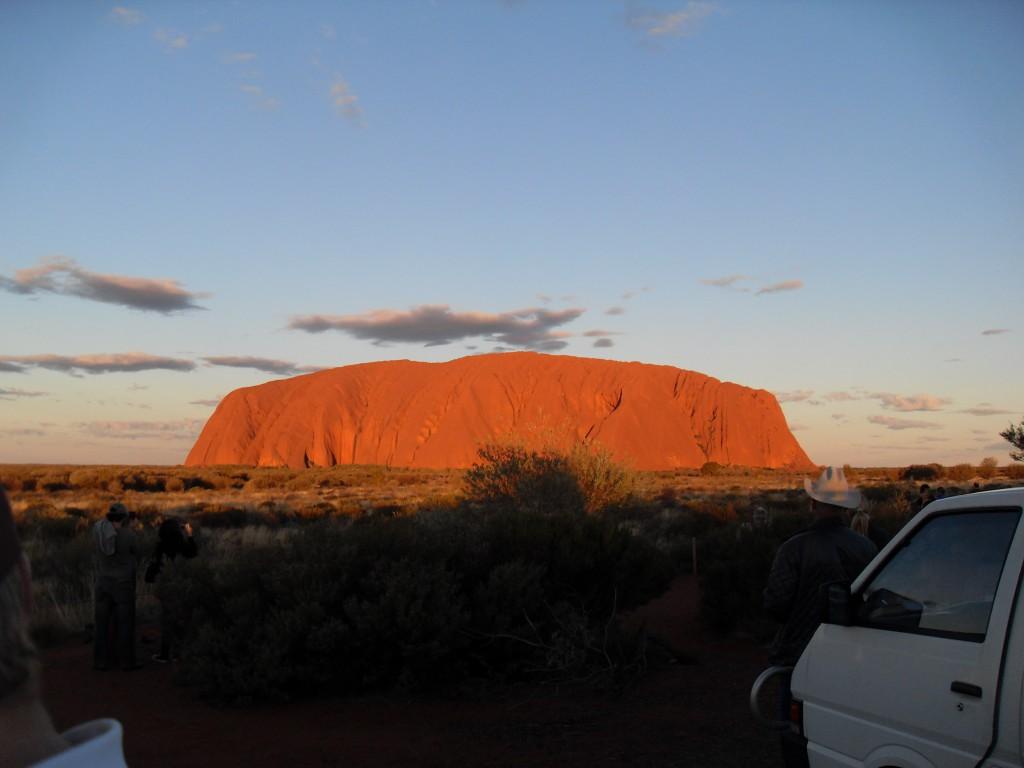 Uluru in Australien beim Sonnenuntergang