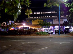 Shopping at Night in Cairns Australien (Reisetagebuch: Rafting in Australien und letzter Abend in Cairns)