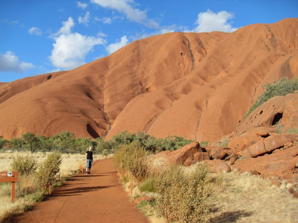 Spazierweg beim Uluru