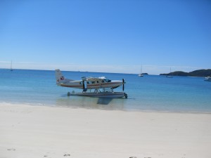 Wasserflugzeug am Whitsunday Beach Australien (Reisetagebuch Australien: Das Great Barrier Reef und Whitsunday Island)