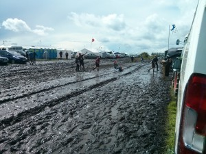 Schlamm sitzen Wacken Open Air 2015 (50 Shades of Schlamm – Wacken Open Air 2015 W:O:A)