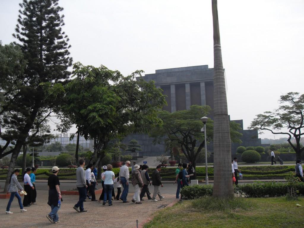 Das Mausoleum von Ho Chi Minh in Hanoi in Vietnam
