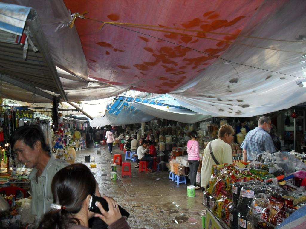 Der Dong Ba Markt in Hue in Vietnam