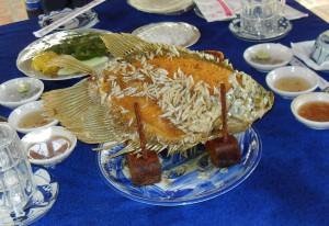 Zubereiteter Elefantenohr-Fisch im Mekong-Delta in Vietnam