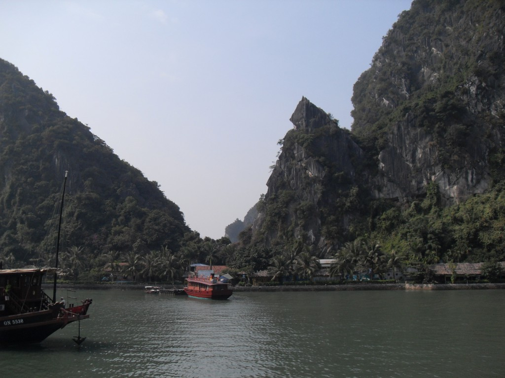 Kalk Felsen in der Ha Long Bucht in Vietnam