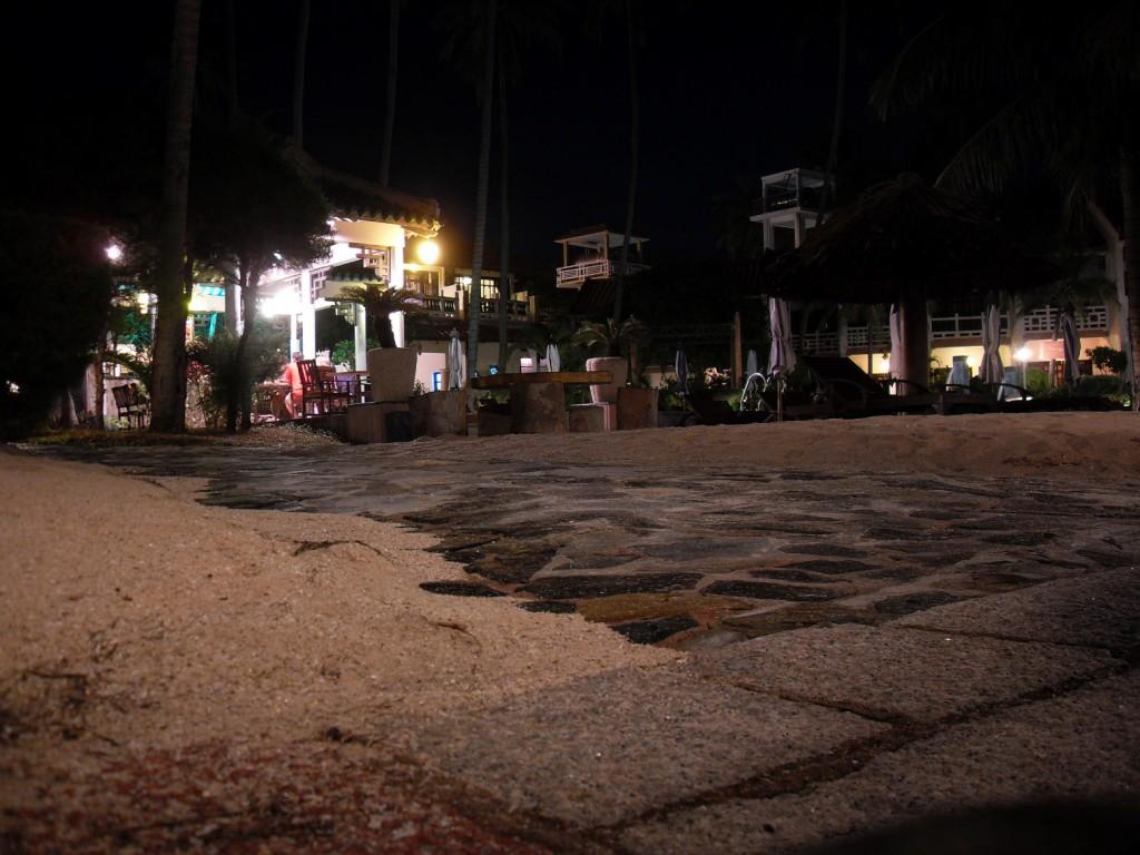 Dynasty Resort in Mui Ne bei Nacht