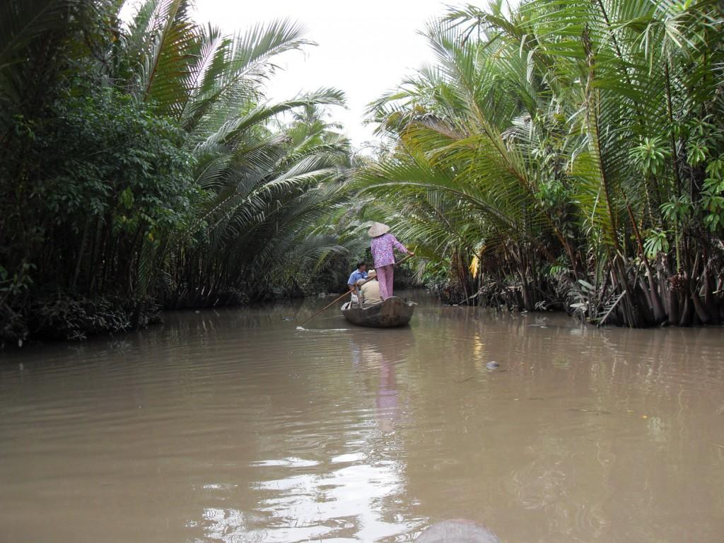 Im Ruderboot auf dem Mekong-Delta in Vietnam
