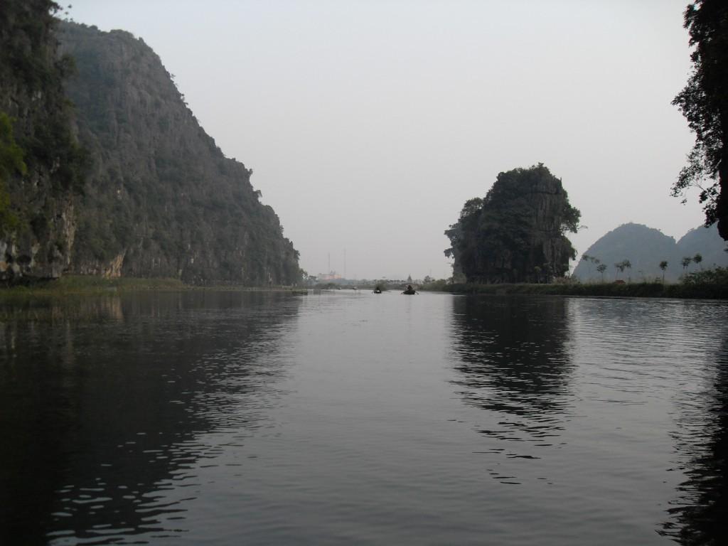 In der trockenen Ha Long Bucht in Vietnam