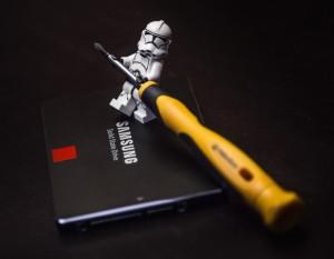 Lego Star Wars Stormtrooper mit SSD und Schraubenzieher