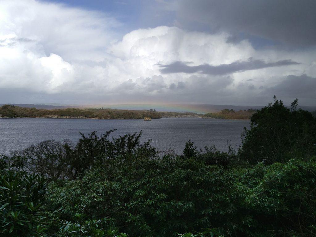 Regenbogen über dem Muckross Lake