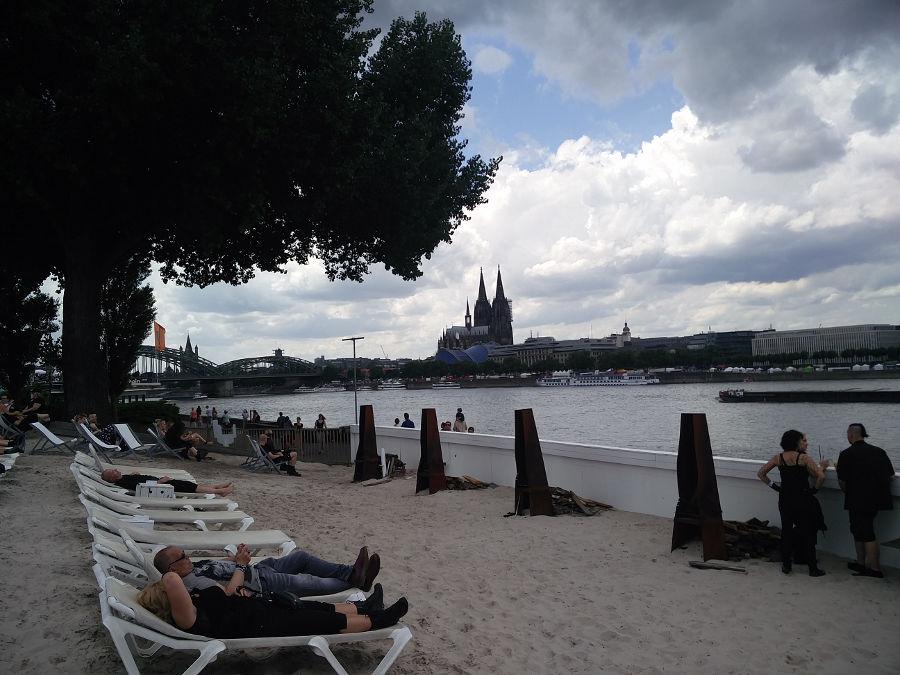 Beach Club und Strand beim Amphi 2017 in Köln