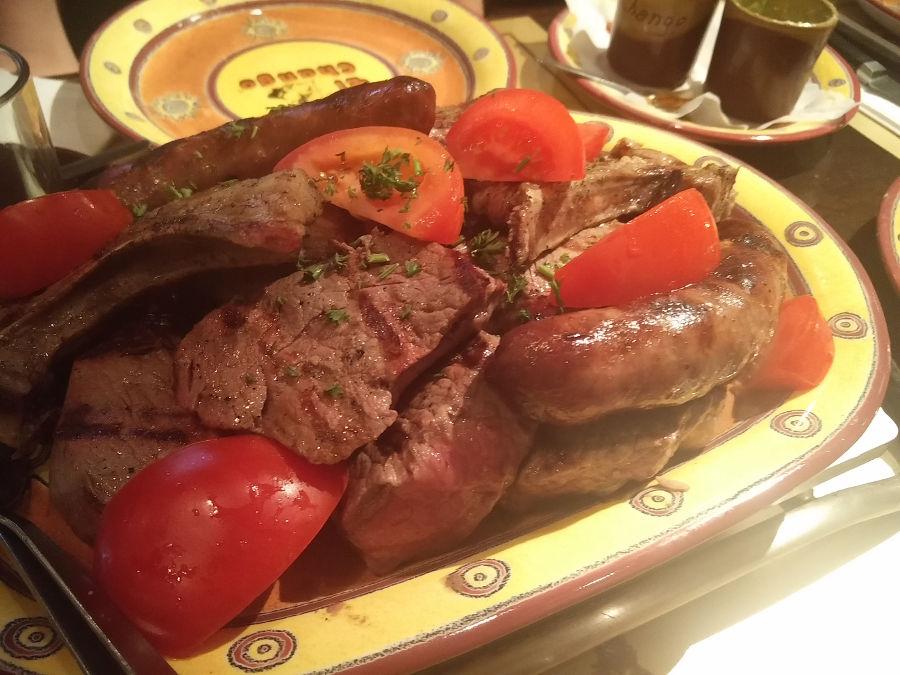 Fleischplatte im argentinischen Steakhaus El Chango in Köln beim Junggesellenabschied