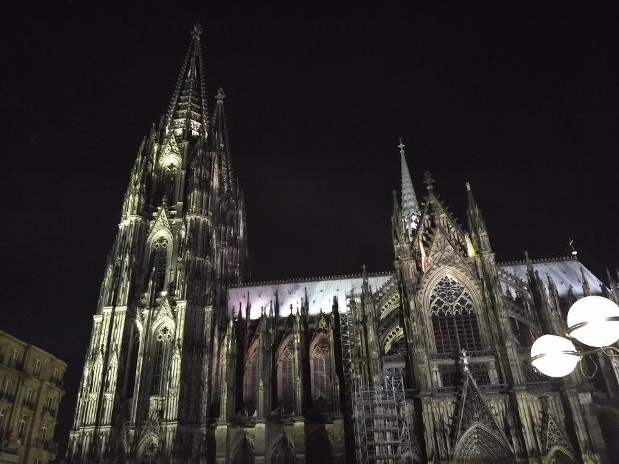 Kölner Dom bei Nacht - Junggesellenabschied der anderen Art in Köln