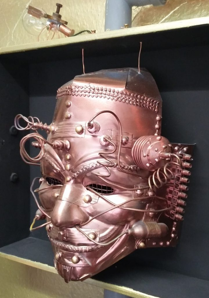 Steampunk-Maske im Steampunk-Escape-Room in Köln