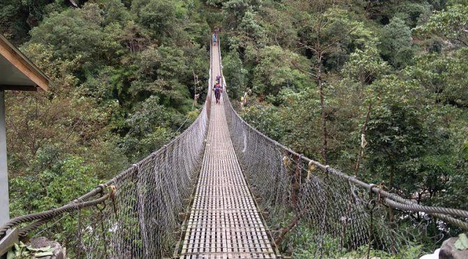 Hängebrücke bei Nunthala in Nepal