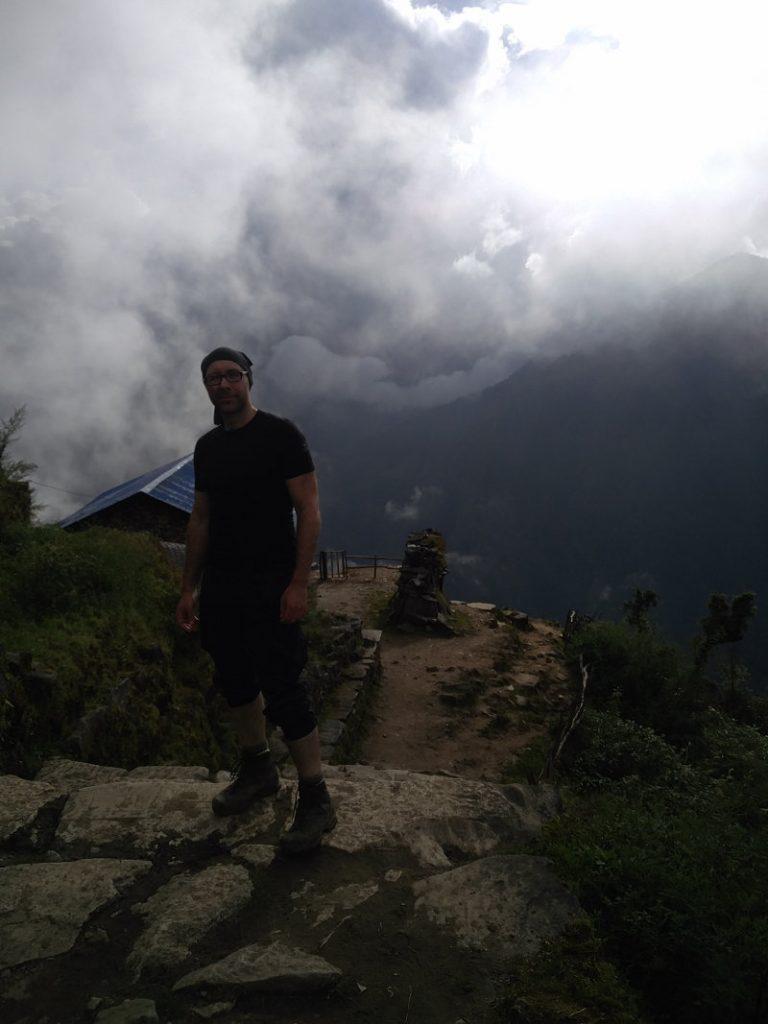 Ich auf dem Kari La Pass beim Trekking in Nepal