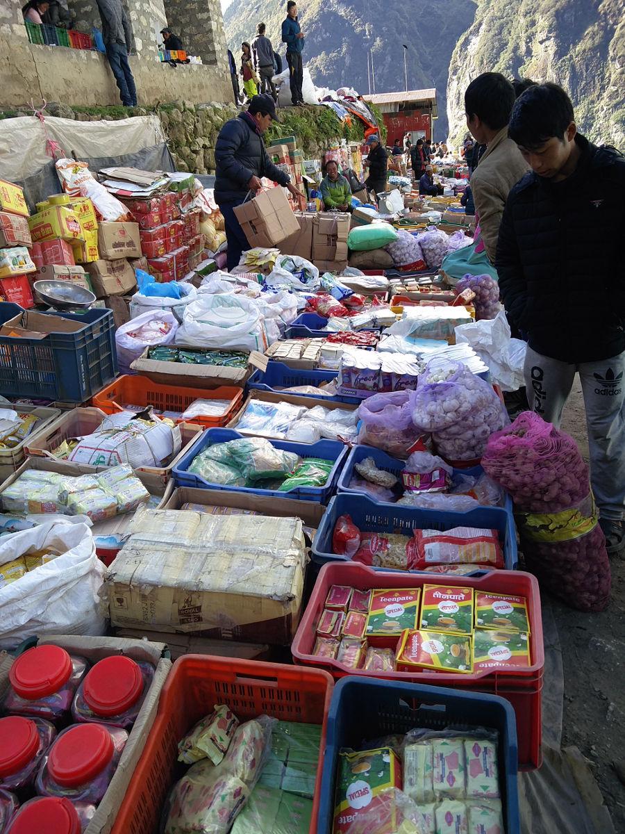 Marktstand in Namche Bazar Nepal