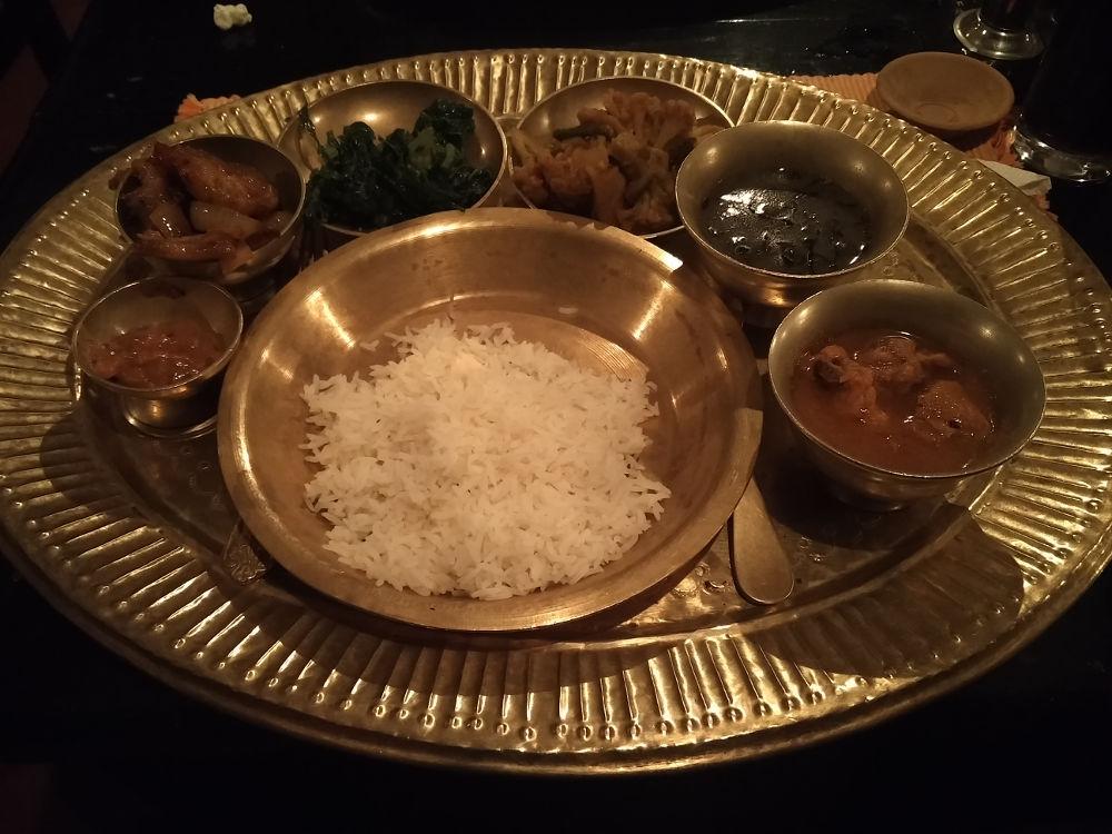 Nepalesisches Mehrgänge Menü