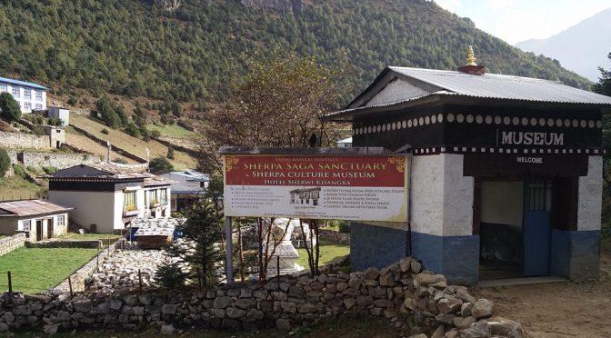 Im Sherpa Culture Museum – Trek zurück nach Namche Bazar