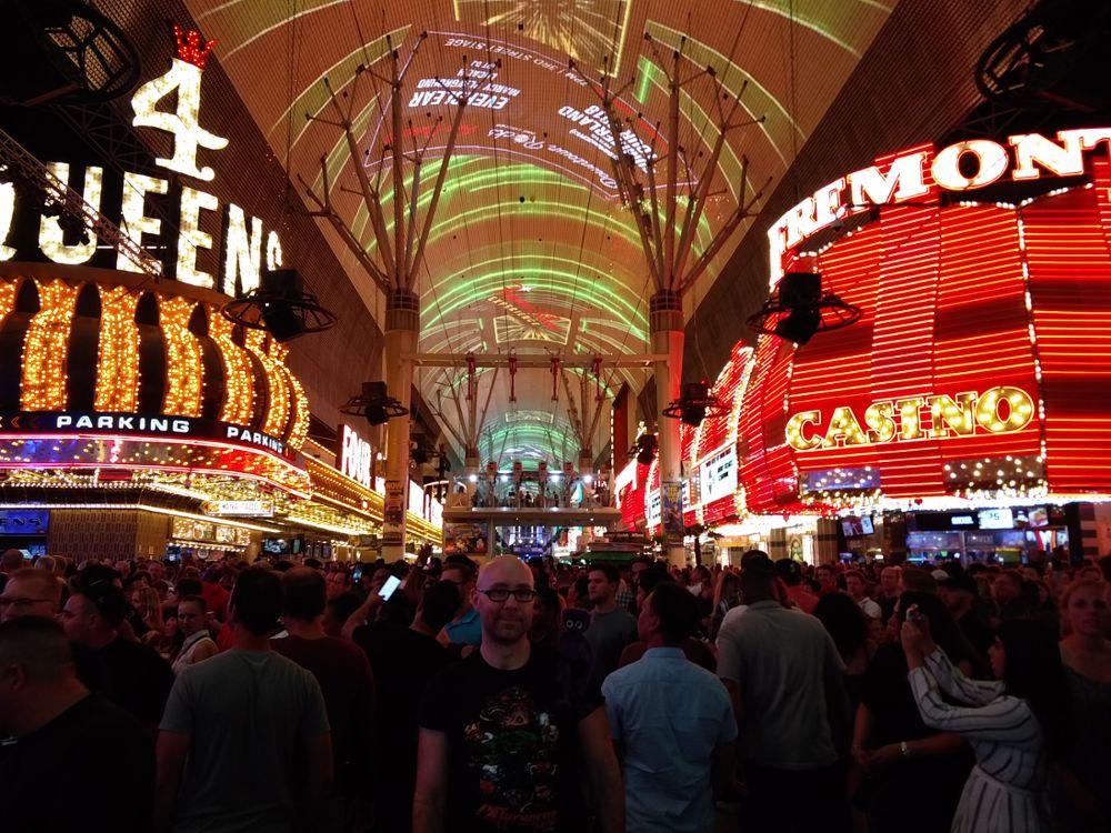 Mit Knoten Knut auf der Fremont Street in Down Town Las Vegas