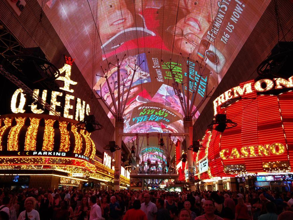 Die LED-Show und Zip Lining auf der Fremont Street