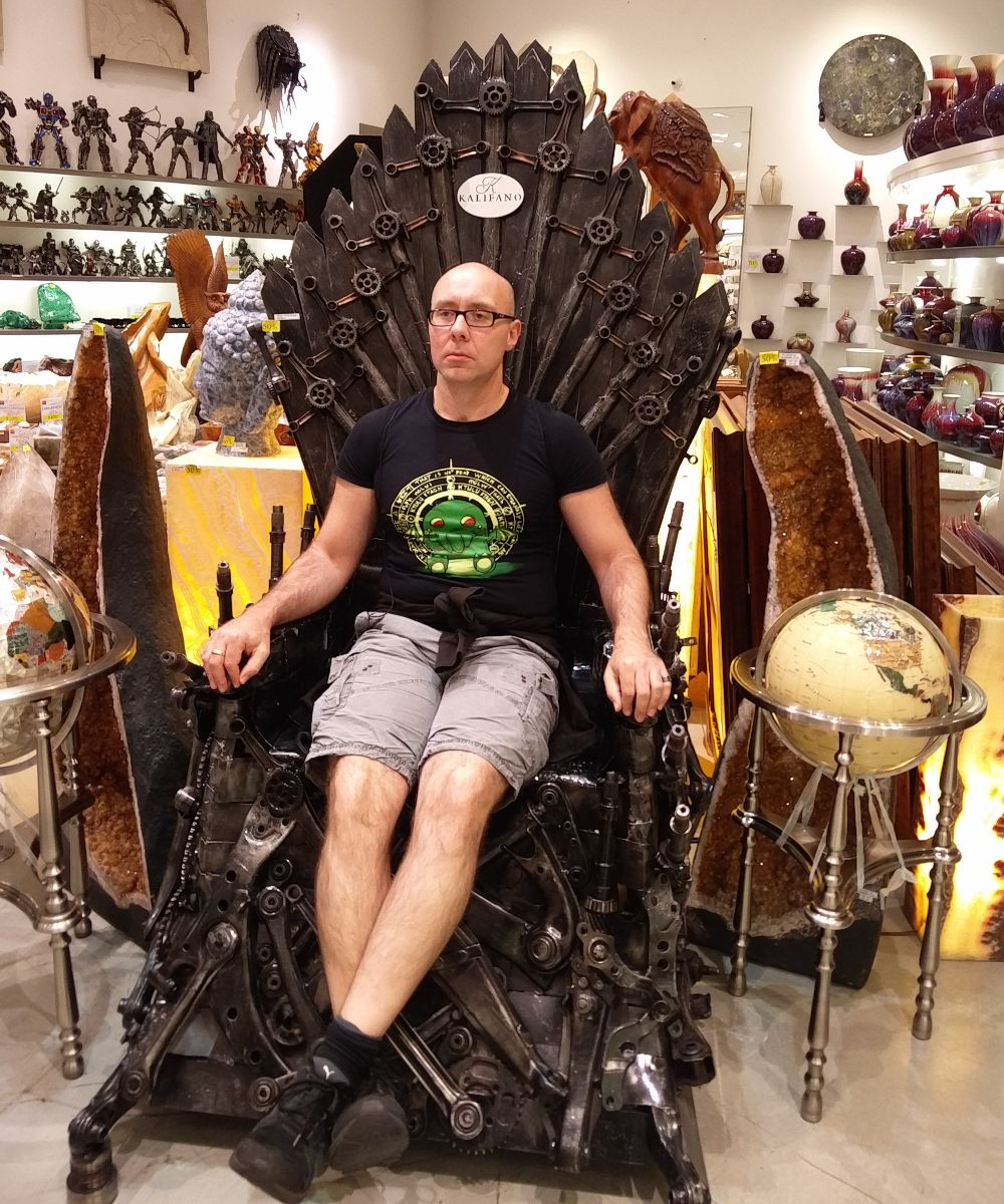 Shadowelf auf dem eisernen Thron aus Game of Thrones im Kalifano in Las Vegas