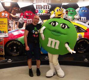 Green und ich im M&M Store in Las Vegas (In der M&M World und im Coca-Cola Store in Las Vegas)