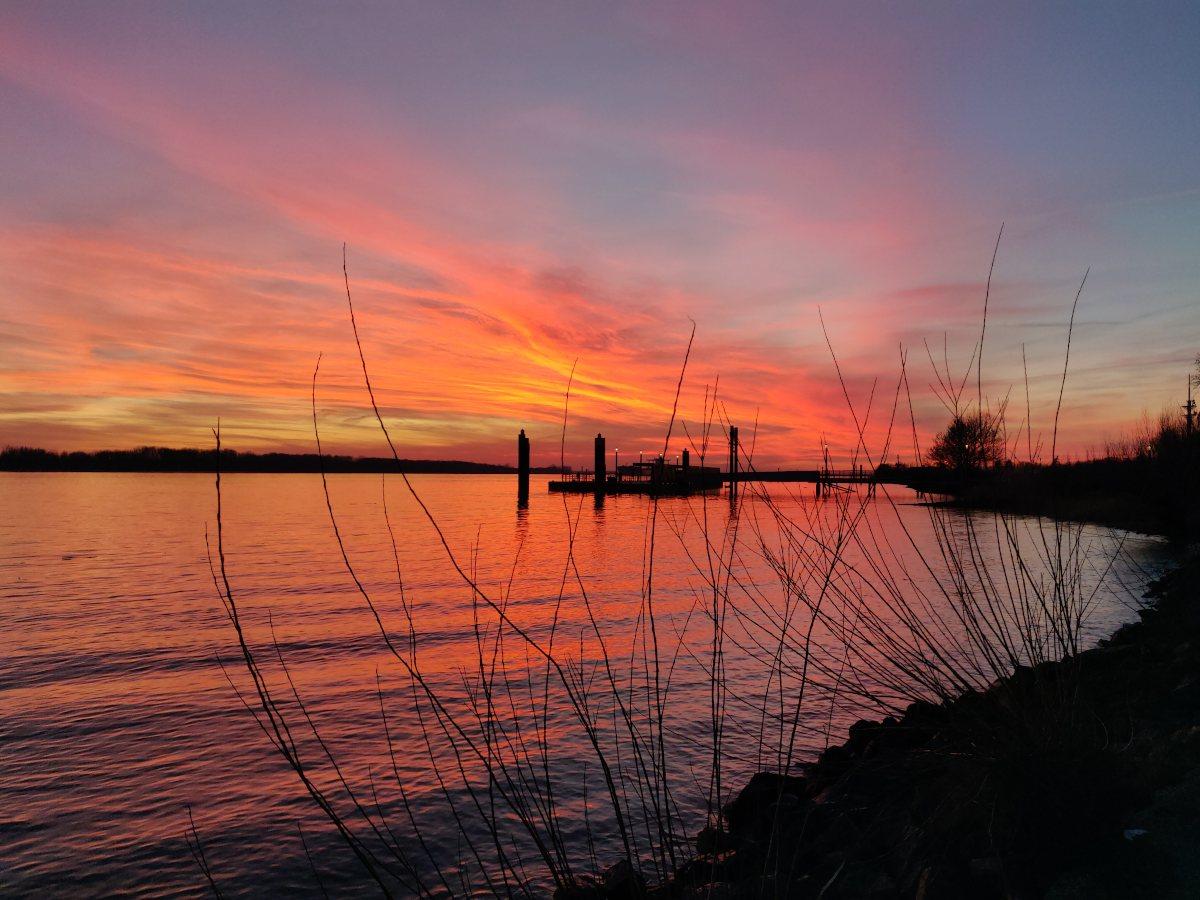 Das Willkomm Höft Wedel im Sonnenuntergang